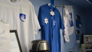T-skjortor och kringprodukter med ÅIF:s logotyp