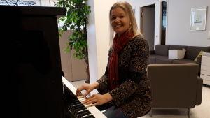 Eva-Lott Björklund