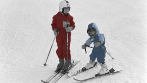 Ransu laskettelurinteessä tytön kanssa Ransu ja Pekka laskettelukoulussa -ohjelmassa 1986.