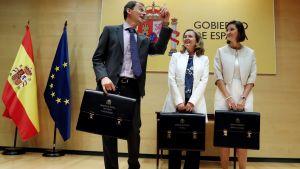 Vetenskaps-, innovations- och universitetsministern  Pedro Duque,  ekonomiminister Nadia Calvino  och industriminister Reyes Maroto