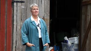 Nina Båge spelar en av huvudrollerna i Stenplockerskorna.