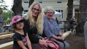 Sara, Veronica och Gunilla Jansson.