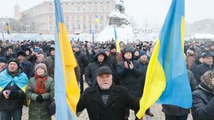 Ukrainare väntar på beslut om deras kyrka ska bli självständig.