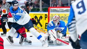 Kevin Lankinen i farten mot Kanada.