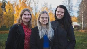 Emma1234-pelin suunnittelijat Saara Savusalo, Annika Veteli ja Laura Raappana