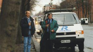 Esko Riihelä ja Jommi Yönap tekemässä Liikenneradiota 1995.