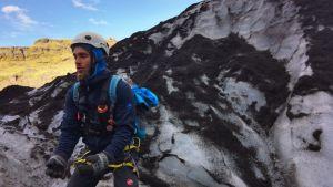 Glaciärguiden Simon vid Sólheimajökull
