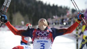 Alexander Legkov firar sitt OS-guld.