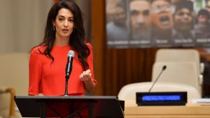 Amal Clooney talar inför FN:s generalförsamling 28.9.2018 om bristande rättvisa och demokrati