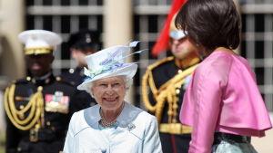 Drottning Elizabeth II och Michelle Obama.