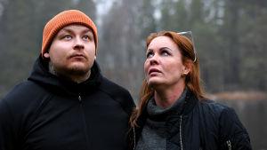 Pele Koljonen och Petra Kapanen poserar.