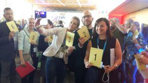 Delegater poserar på SFP:s partikongress