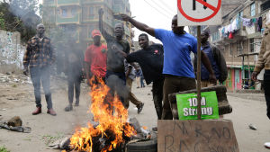 Protester i Kenyas huvudstad nairobi efter presidentvalet 2017.