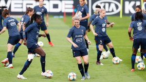 Frankrike tränar inför VM.