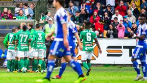 KPV firar mål mot HJK.