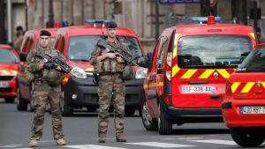 Knivdåd i Paris