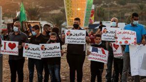 Stöd för islam och profeten Mohammed i den arabiska staden Umm-Al Fahem i norra Israel 25.10.2020. Protest mot Frankrikes president Emmanuel Macron som uttryckt sitt stöd för yttrandefriheten.