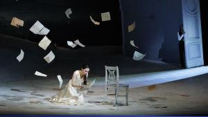 Olesya Golovneva som Tatjana i Eugen Onegin på Nationaloperan.