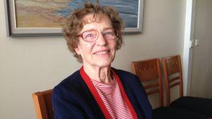 78-åriga Dorrit Hoffman bor på Bertahemmet i Helsingfors.
