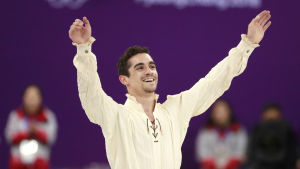Konståkaren Javier Fernandez efter sitt program i OS2018.