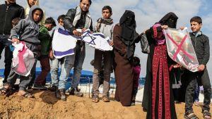 Demonstration i tältby i Khan Yunis, Gaza. 30.3.2018.