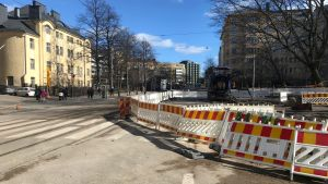 Helsingegatan är avstängds vid Åstorget på grund av massiv vattenläcka.