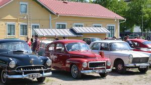 Gamla bilar i Pargas.