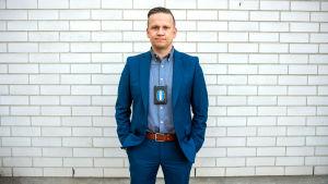 Porträttbild på Mats Sjöholm.