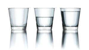 Är det mittersta glaset halvfullt eller halvtomt?