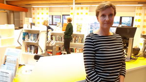 Heidi Enberg i Ekenäs bibliotek.