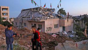 Söndersprängt hus på Västbanken. Bilden tagen 11.5.2020