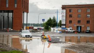 Översvämning vid vägarbetet i Brändö.