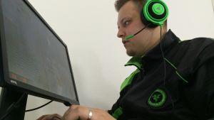 "Joona ""natu"" Leppänen pelaa CS:GO:a"