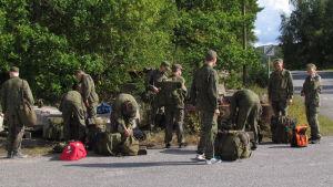 Pargaselever får lära sig om säkerhet och överlevnad under ett intensivt veckoslut på Gyltö.