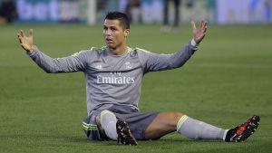 Cristiano Ronaldos Real Madrid går in som klar favorit mot Roma.