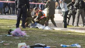 Poliser blev avsiktligt påkörda av lastbil i Jerusalem.