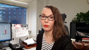 Mira Honkavaara, biträdande chef för den svenska redaktionen.