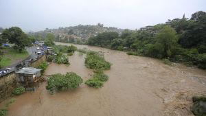 Översvämningarna efter stormen hotade Honduras huvudstad Tegucigalpa. Stormen har förvärrats sen den drabbade Centralamerika.