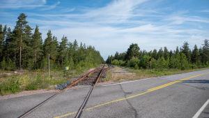 Järnvägsspår som leder in på Koverhar hamnområde