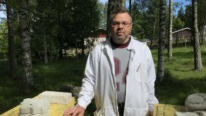 Bror Nordlund, biodlare på Åland.