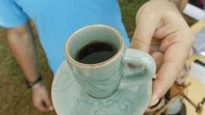 En kopp svart kaffe