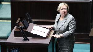 Högsta domstolens ordförande Malgorzata Gersdorf i plenisalen.
