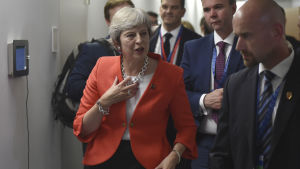 Storbritanniens premiärminister Theresa May på toppmötet i Salzburg.