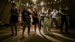 Dans på ett bröllop i Wales.