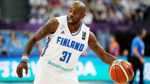 Jamar Wilson basket