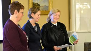 Kristina Lönnfors, Mia Heijnsbroek-Wirén och Kirsi Kettunen.