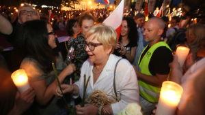 Ordförande för Polens högsta domstol Malgorzata Gersdorf vid en demonstration i Warszawa.
