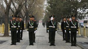 Säkerheten har inför folkkongressen skärpts både i och utanför Peking