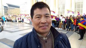 Thupten Gyatso, representant för den tibetanska minoriteten i Frankrike.