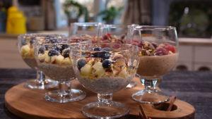 Portioner med kallgrot i ett kök